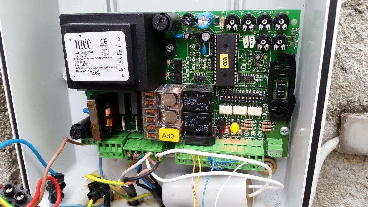 Dépannage carte électronique portail électrique